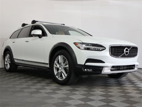 Pre-Owned 2018 Volvo V90 Cross Country T5